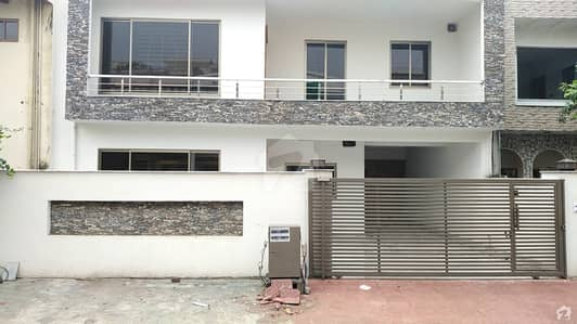 5 Bedrooms House For Sale In G-9/4 Islamabad