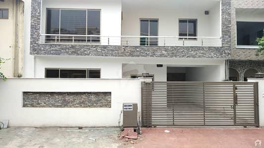 جی ۔ 9/4 جی ۔ 9 اسلام آباد میں 5 کمروں کا 10 مرلہ مکان 3.5 کروڑ میں برائے فروخت۔