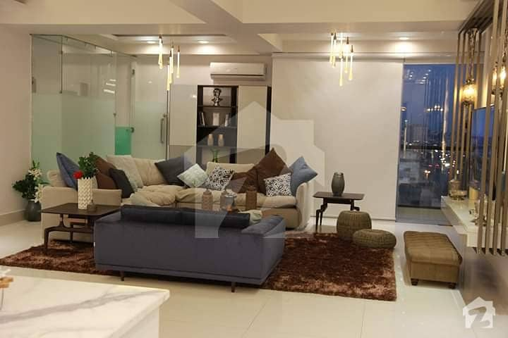 I Am Brand New  Un Furnished Apartment Near Schon Circle