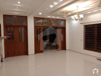 ڈی ایچ اے فیز 2 - سیکٹر بی ڈی ایچ اے ڈیفینس فیز 2 ڈی ایچ اے ڈیفینس اسلام آباد میں 3 کمروں کا 1 کنال بالائی پورشن 45 ہزار میں کرایہ پر دستیاب ہے۔