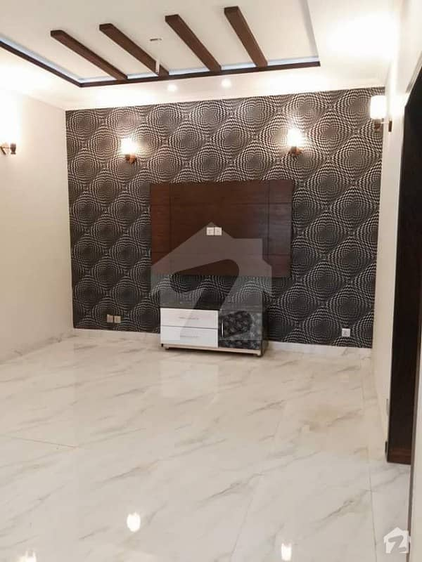 Most Beautiful Location 7 Beds 1 Kanal Bungalow With Basement For Rent At Phase 5