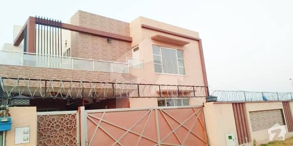 پارک ویو ڈی ایچ اے فیز 8 ڈی ایچ اے ڈیفینس لاہور میں 5 کمروں کا 1 کنال مکان 1.1 لاکھ میں کرایہ پر دستیاب ہے۔