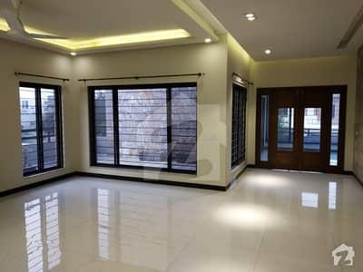 ڈی ایچ اے ڈیفینس فیز 2 ڈی ایچ اے ڈیفینس اسلام آباد میں 3 کمروں کا 1 کنال بالائی پورشن 53 ہزار میں کرایہ پر دستیاب ہے۔