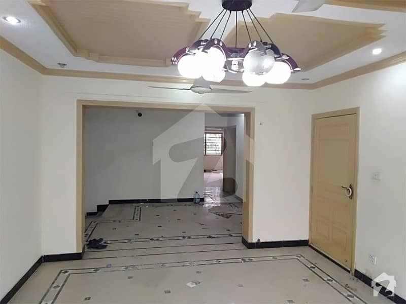 14 Marla Beautiful 4 Bed Upper Portion For Rent In G-9/1 Islamabad