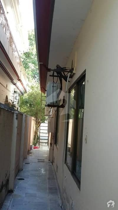 Double Unit House With Basement For Sale On 1 Kanal