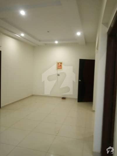 ڈی ایچ اے فیز 6 ڈی ایچ اے کراچی میں 3 کمروں کا 6 مرلہ فلیٹ 45 ہزار میں کرایہ پر دستیاب ہے۔