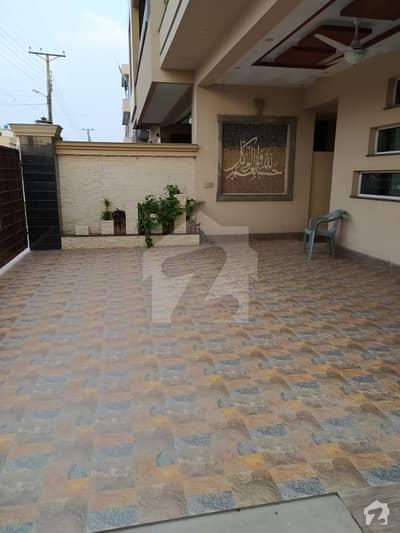 طارق گارڈنز ۔ بلاک بی طارق گارڈنز لاہور میں 5 کمروں کا 10 مرلہ مکان 2.75 کروڑ میں برائے فروخت۔