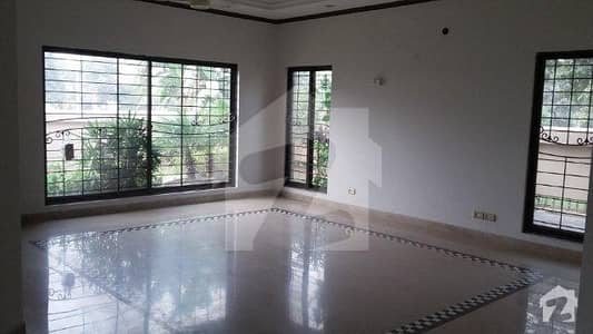 Chohan Offer 32 Marla Corner Full House Available For Rent In Sarwar Colony, Cantt