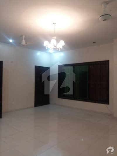 Apartment Is Available For Rent DHA Phase 6 2000 Saqar Fet 3 Bedroom