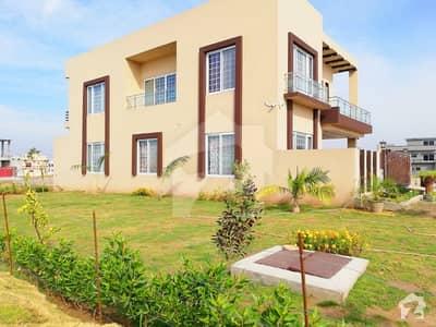 بحریہ ٹاؤن فیز 8 بحریہ ٹاؤن راولپنڈی راولپنڈی میں 4 کمروں کا 1 کنال مکان 2.1 کروڑ میں برائے فروخت۔