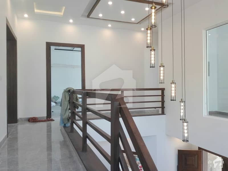 بحریہ ٹاؤن فیز 3 بحریہ ٹاؤن راولپنڈی راولپنڈی میں 5 کمروں کا 1 کنال مکان 3.5 کروڑ میں برائے فروخت۔