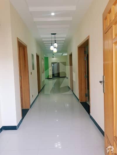 ڈی ایچ اے ڈیفینس فیز 2 ڈی ایچ اے ڈیفینس اسلام آباد میں 6 کمروں کا 1 کنال مکان 1.2 لاکھ میں کرایہ پر دستیاب ہے۔