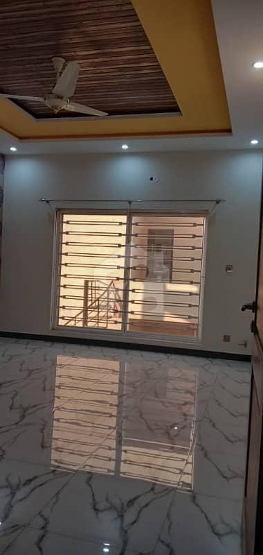 ڈی ایچ اے ڈیفینس فیز 1 ڈی ایچ اے ڈیفینس اسلام آباد میں 6 کمروں کا 1 کنال مکان 1 لاکھ میں کرایہ پر دستیاب ہے۔