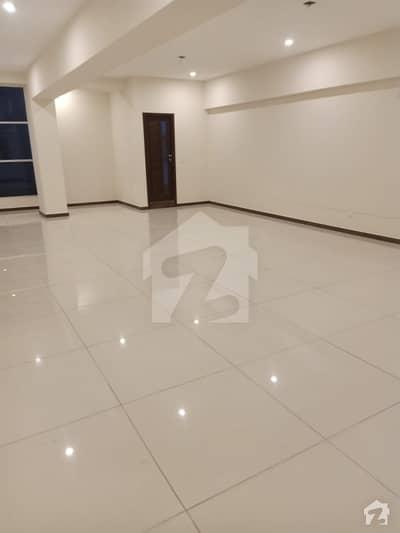 اتحاد کمرشل ایریا ڈی ایچ اے فیز 6 ڈی ایچ اے ڈیفینس کراچی میں 5 مرلہ دفتر 2.15 کروڑ میں برائے فروخت۔
