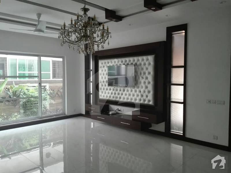 1 Kanal Luxurious Bungalow for Rent in DHA Phase 5 G Block