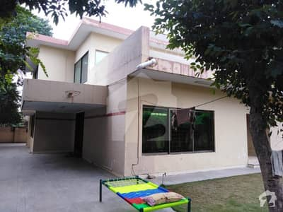 4 Bed House Is Available For Rent