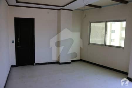 گلبرگ پشاور میں 4 کمروں کا 4 مرلہ فلیٹ 65 لاکھ میں برائے فروخت۔