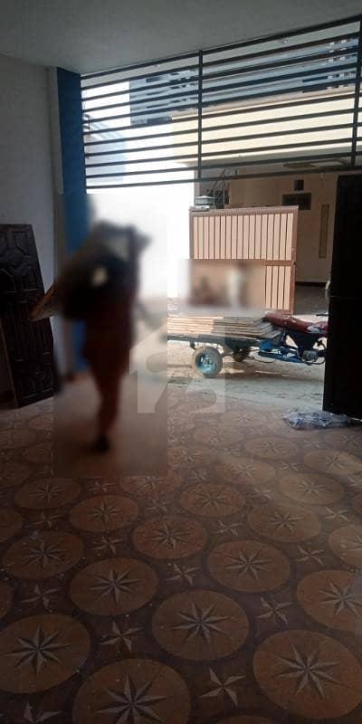 المجید پیراڈایئز رفیع قمر روڈ بہاولپور میں 6 کمروں کا 8 مرلہ مکان 40 ہزار میں کرایہ پر دستیاب ہے۔