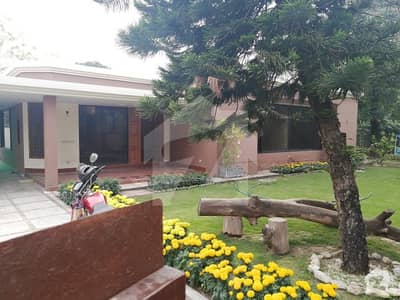 Very Beautiful Single Storey House Main Margalla Road For Rent