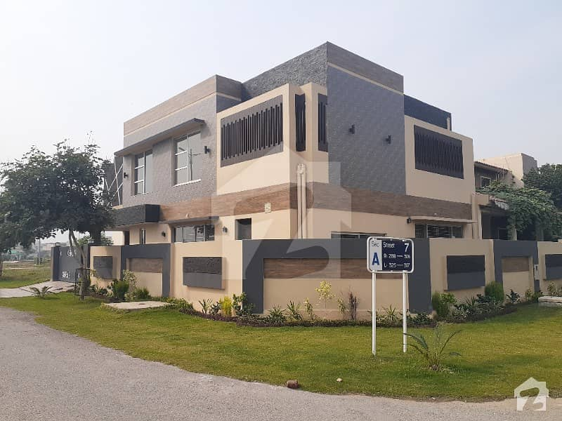 10 Marla Brand New Beautiful Bungalow For Sale