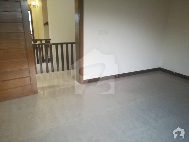 ڈی ۔ 12 اسلام آباد میں 3 کمروں کا 10 مرلہ زیریں پورشن 50 ہزار میں کرایہ پر دستیاب ہے۔