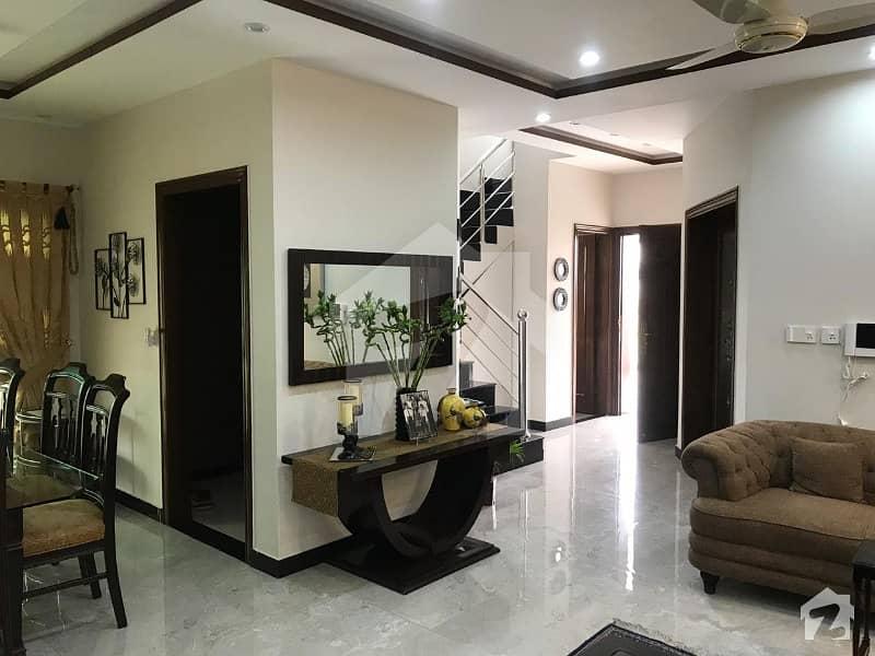 لیک سٹی ۔ سیکٹر ایم ۔ 2اے لیک سٹی لاہور میں 4 کمروں کا 10 مرلہ مکان 2.4 کروڑ میں برائے فروخت۔