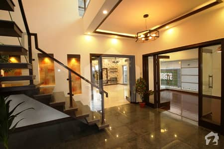 1 Kanal Stylish Bungalow For Sale At Good Location