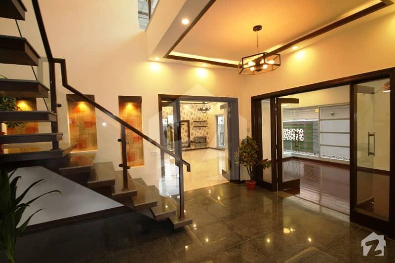 اسٹیٹ لائف ہاؤسنگ فیز 1 اسٹیٹ لائف ہاؤسنگ سوسائٹی لاہور میں 5 کمروں کا 1 کنال مکان 3.3 کروڑ میں برائے فروخت۔