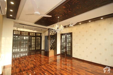1 Kanal Exotic Palace Near 80 Kanal Park In DHA Phase 6