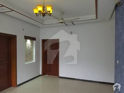12 Marla Beautiful Upper Portion For Rent