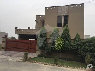 ڈی ایچ اے فیز 8 - بلاک بی ڈی ایچ اے فیز 8 ڈیفنس (ڈی ایچ اے) لاہور میں 3 کمروں کا 10 مرلہ بالائی پورشن 33 ہزار میں کرایہ پر دستیاب ہے۔