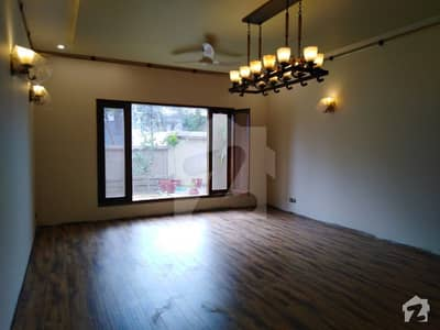 1000 Square Yards Banglow Is Available For Rent