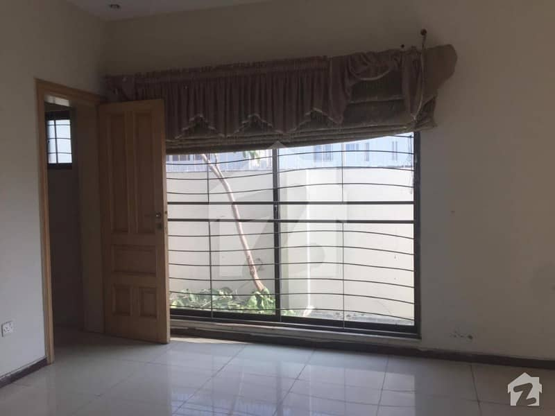 1 Kanal Slightly Used House For Sale