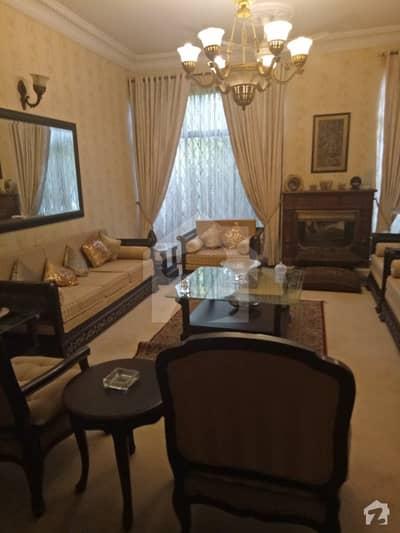 ماڈل ٹاؤن ۔ بلاک ڈی ماڈل ٹاؤن لاہور میں 7 کمروں کا 2 کنال مکان 10.5 کروڑ میں برائے فروخت۔