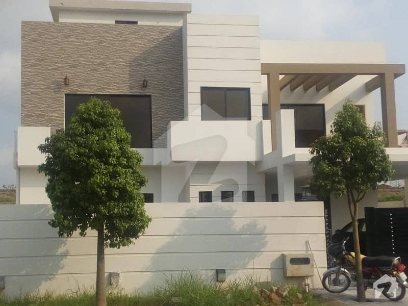 1 Kanal Double Storey House Mountain View Excellent Condition For Sale in Bahria Enclave Sector C Islamabad