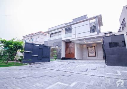 ڈی ایچ اے فیز 6 - بلاک بی فیز 6 ڈیفنس (ڈی ایچ اے) لاہور میں 6 کمروں کا 1 کنال مکان 7 کروڑ میں برائے فروخت۔