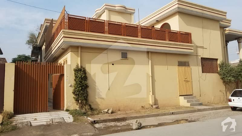 حیات آباد فیز 2 - جے2 حیات آباد فیز 2 حیات آباد پشاور میں 4 کمروں کا 1 کنال بالائی پورشن 38 ہزار میں کرایہ پر دستیاب ہے۔