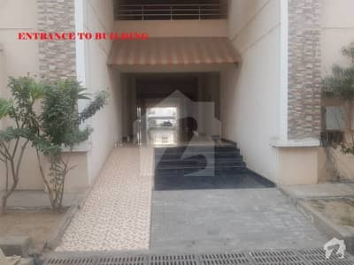 10 Marla 3 Beds 5th Floor Flat  For Rent In Askari 11 Lahore