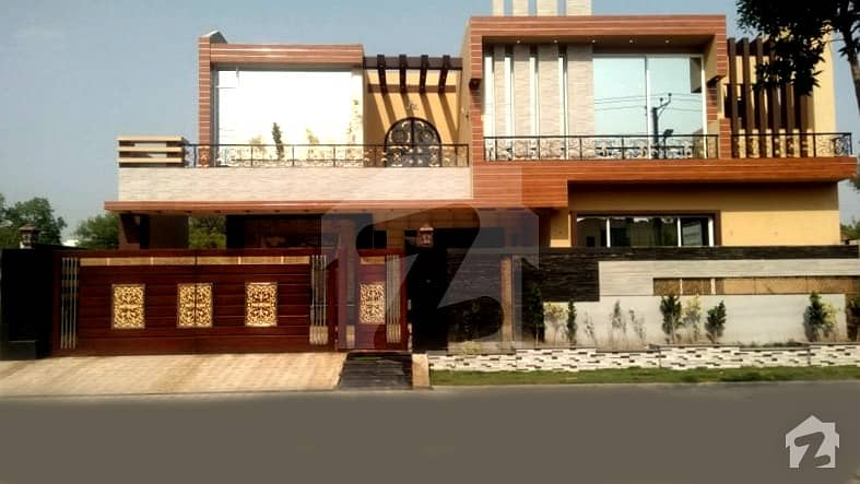1 Kanal Brand New House With Basement Is Available For Sale