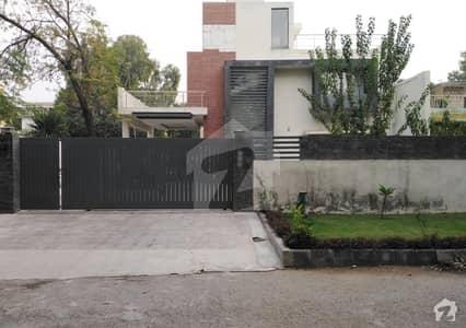 ایف ۔ 8/3 ایف ۔ 8 اسلام آباد میں 10 کمروں کا 1.78 کنال مکان 19.9 کروڑ میں برائے فروخت۔