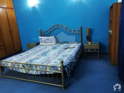 10 MARLA FULLY FURNISHED UPPER PORTION IN DHA PHASE 4 BLOCK EE