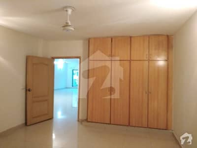10 MARLA SECOND FLOOR FLAT IS AVAILABLE FOR RENT IN REHMAN GARDEN NEAR DHA PHASE 1