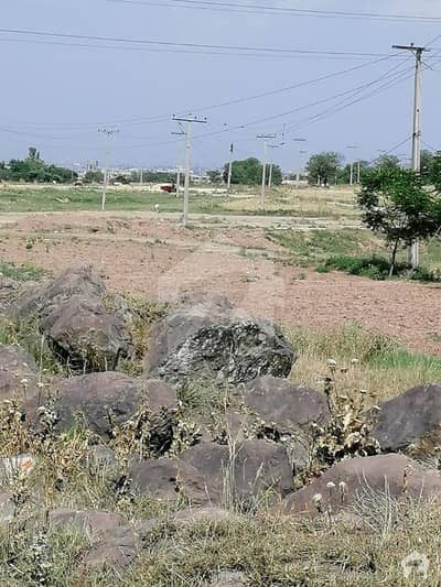 Chatha Bakhtawar Corner Plot For Sale Size 25x50