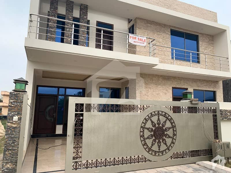 G 13 3 MAIN ROAD BRAND NEW LAVISH HOUSE ON IDEAL LOCATION