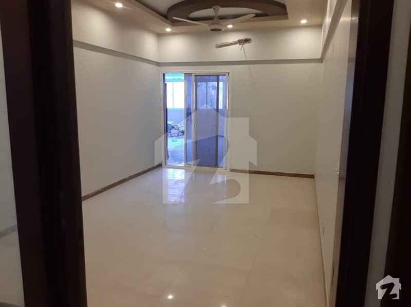 کلفٹن ۔ بلاک 9 کلفٹن کراچی میں 4 کمروں کا 12 مرلہ فلیٹ 1.5 لاکھ میں کرایہ پر دستیاب ہے۔