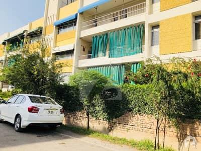 عسکری 7 راولپنڈی میں 3 کمروں کا 10 مرلہ فلیٹ 1.2 کروڑ میں برائے فروخت۔