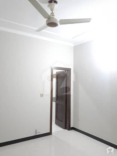 House Available For Sale In I10 Size 25x60 Best Location