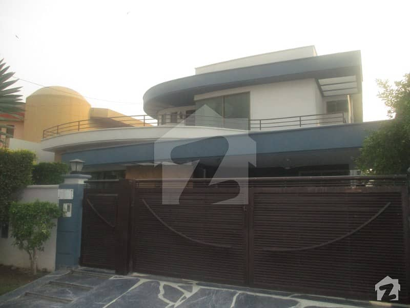 Fully Renovated 1 Kanal 3 Bed Upper Portion Of A Luxury House Solid Construction