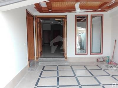 پی ڈبلیو ڈی روڈ اسلام آباد میں 4 کمروں کا 10 مرلہ مکان 60 ہزار میں کرایہ پر دستیاب ہے۔