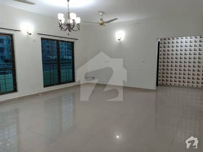 Superb  Open View 10 Marla 3 Beds 4th Floor Flat For Sale In Askari 11 Lahore
